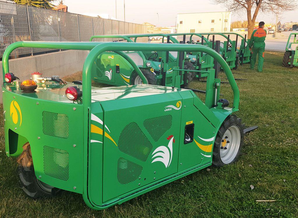 Forklift Poultry Gabo: carrello elevatore avicoltura. Soltec progetta carrelli elevatori a forche per pollami che sono compatti leggeri agile e affidabile.