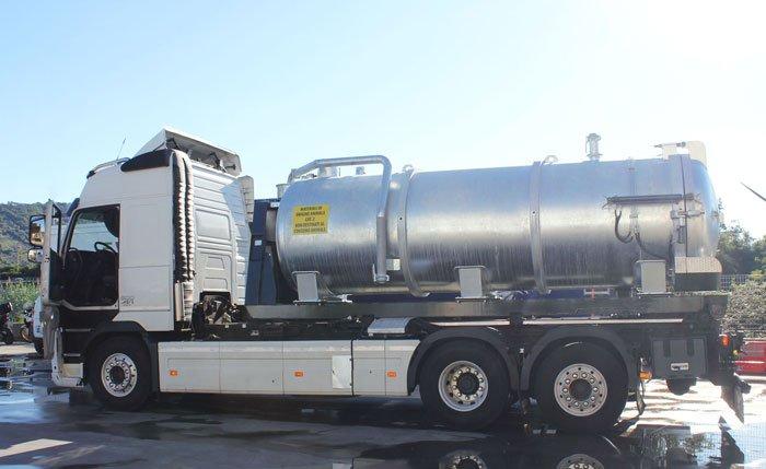 Cisterne scarrabili 6 metri 11000 litri in acciaio al carbonio S 235 JR